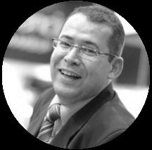 Julio Fonseca - (Diretor Comercial)